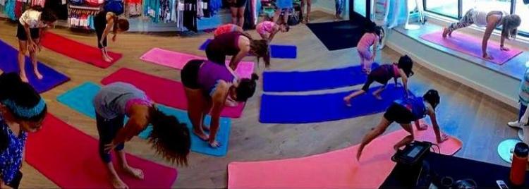 ivivva-yoga-pano